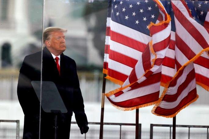 Phiên tòa luận tội ông Trump tạm hoãn một phiên - Ảnh 1.