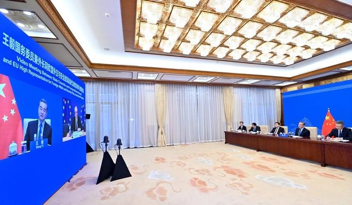 Quan chức EU nhắc Trung Quốc về mối quan hệ với Mỹ - Ảnh 1.