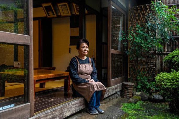 Bí quyết truyền gậy tiếp sức của cửa hàng Ichiwa 1.020 tuổi - Ảnh 2.