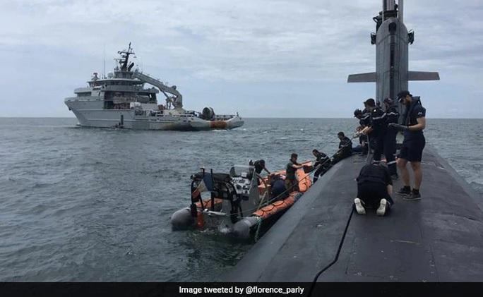 Tàu Mỹ, Pháp ồ ạt đến biển Đông - Ảnh 2.