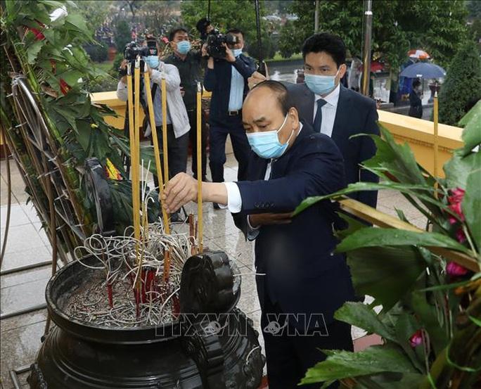 Lãnh đạo Đảng, Nhà nước vào Lăng viếng Chủ tịch Hồ Chí Minh nhân dịp Tết Tân Sửu - Ảnh 8.