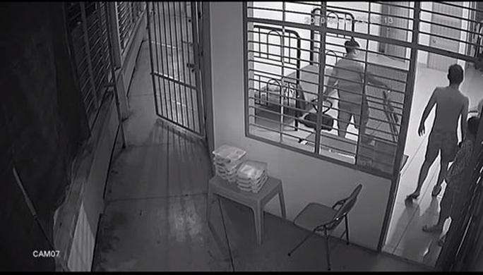 Cán bộ bị tố đánh học viên cai nghiện - Ảnh 1.
