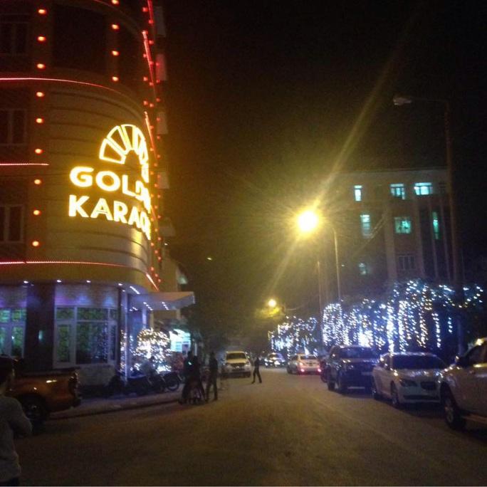 Gần 100 dân chơi tụ tập trong quán karaoke Golden Cẩm Phả - Ảnh 1.