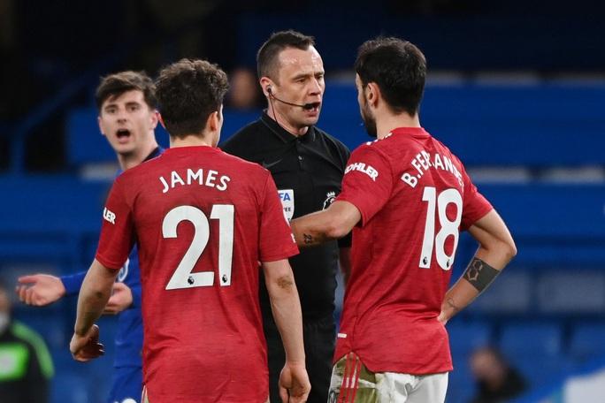 Đại chiến nhạt nhòa, Chelsea thoát phạt đền cầm hòa Quỷ đỏ - Ảnh 5.