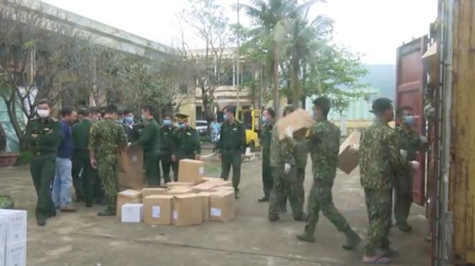 Triệt xóa đường dây buôn lậu mỹ phẩm hơn 14 tỉ đồng qua cảng Tiên Sa - Ảnh 1.
