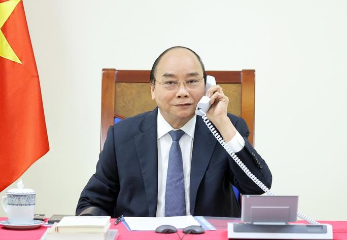 Hai Thủ tướng Việt Nam và Singapore  trao đổi về bong bóng di chuyển hàng không - Ảnh 1.