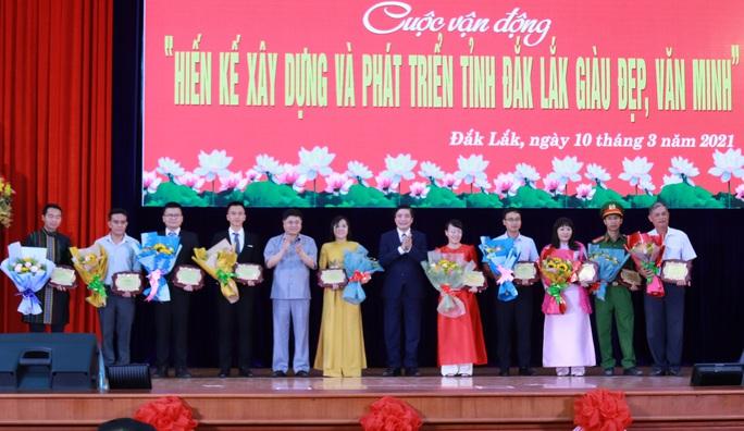 Trao thưởng cho người dân hiến kế xây dựng tỉnh Đắk Lắk - Ảnh 4.