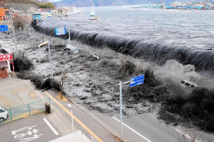 Nhìn lại thảm họa động đất - sóng thần làm nghiêng trục Trái Đất 10 năm trước - Ảnh 5.
