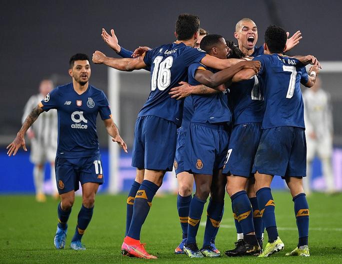 Ngược dòng thảm hại tại Turin, Juventus thua tan tác Champions League - Ảnh 8.
