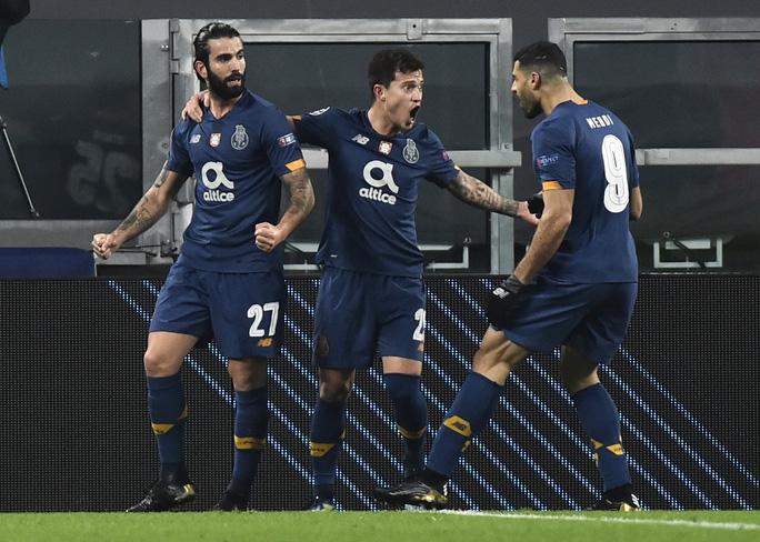 Ngược dòng thảm hại tại Turin, Juventus thua tan tác Champions League - Ảnh 1.