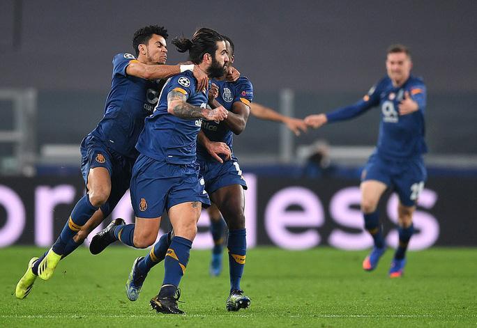 Ngược dòng thảm hại tại Turin, Juventus thua tan tác Champions League - Ảnh 7.