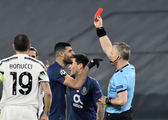 Ngược dòng thảm hại tại Turin, Juventus thua tan tác Champions League - Ảnh 4.