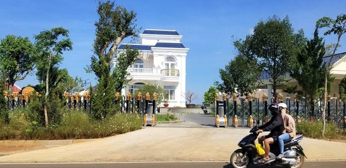Thường trực Tỉnh ủy Lâm Đồng chỉ đạo xử lý vụ biệt thự khủng xây không phép - Ảnh 6.