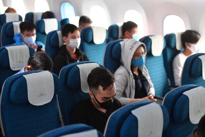 Hãng hàng không có quyền từ chối khách không khai báo y tế - Ảnh 1.