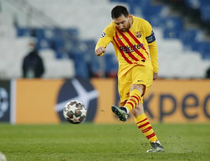 Tội đồ Messi góp sức, Barcelona dừng bước sớm Champions League - Ảnh 4.
