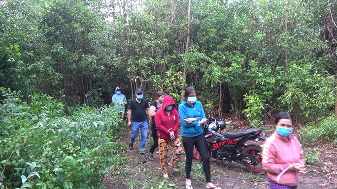 CLIP: Bắt giữ nhiều hot girl đi ôtô sang trọng từ TP HCM về Tiền Giang đánh bạc - Ảnh 11.