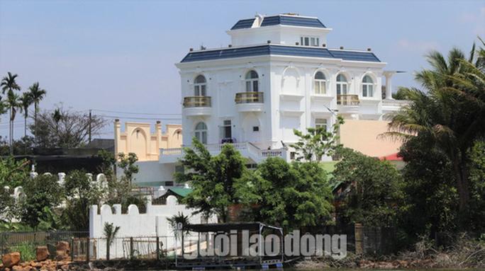 Thường trực Tỉnh ủy Lâm Đồng chỉ đạo xử lý vụ biệt thự khủng xây không phép - Ảnh 4.