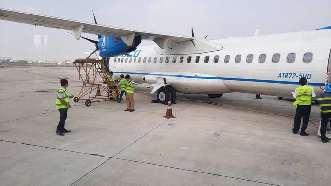 Chuyến bay từ TP HCM đi Côn Đảo phải quay về vì máy bay có khói - Ảnh 1.