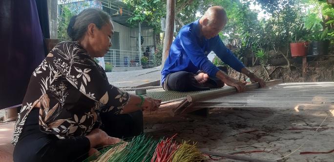 CLIP: Ngỡ ngàng làng chiếu trăm năm được UNESCO vinh danh - Ảnh 20.