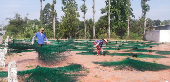 CLIP: Ngỡ ngàng làng chiếu trăm năm được UNESCO vinh danh - Ảnh 10.