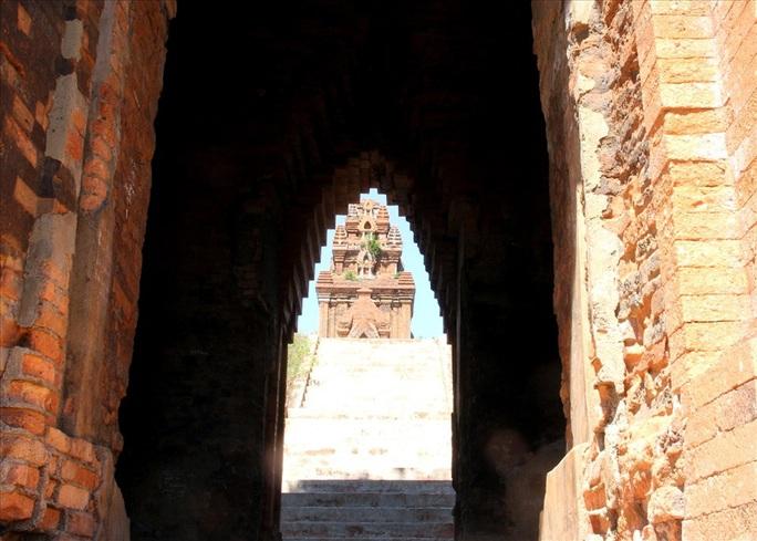 Bình Định: Điều chỉnh quy hoạch cụm di tích tháp Bánh Ít ngàn năm tuổi - Ảnh 2.