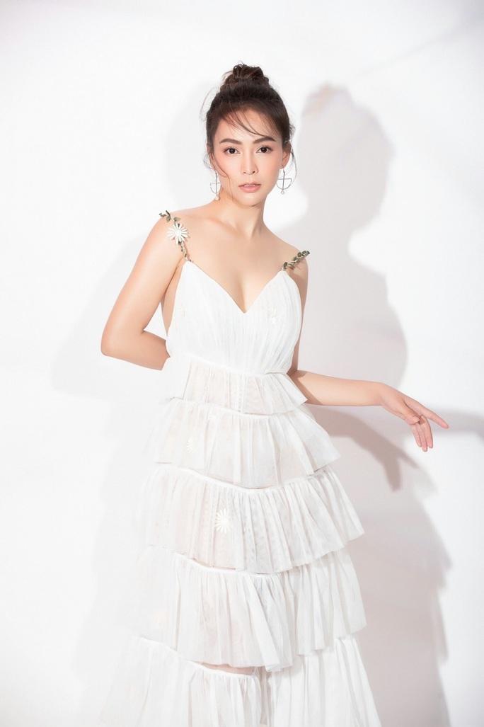 Hoa hậu Bolero Mỹ Ngọc khoe nhẫn cầu hôn, dân mạng chúc mừng hạnh phúc - Ảnh 5.