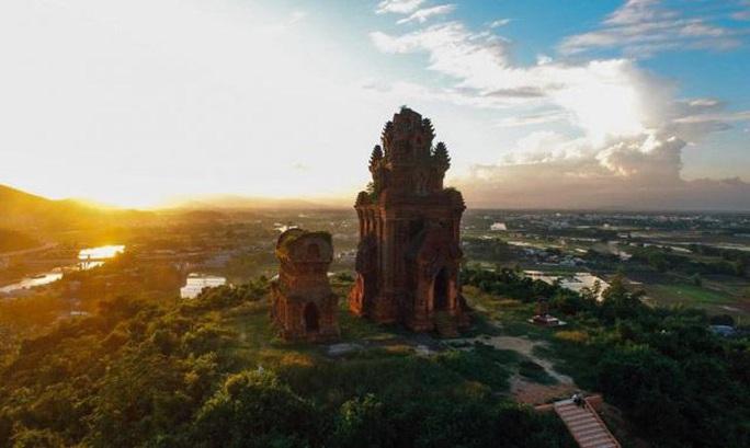 Bình Định: Điều chỉnh quy hoạch cụm di tích tháp Bánh Ít ngàn năm tuổi - Ảnh 1.