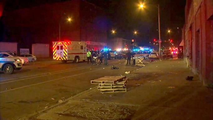 Mỹ: Xả súng giữa bữa tiệc, 15 người thương vong - Ảnh 3.