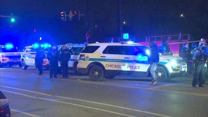 Mỹ: Xả súng giữa bữa tiệc, 15 người thương vong - Ảnh 2.