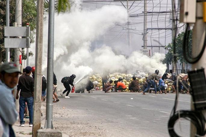 Bạo lực gia tăng tại Myanmar - Ảnh 1.