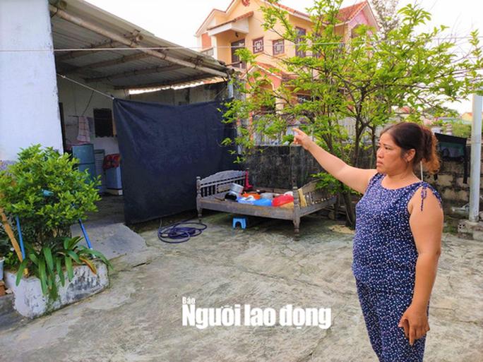 Bóng golf oanh tạc làm bể mái tôn, cửa kính và uy hiếp người dân ở Quảng Bình - Ảnh 5.