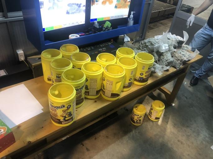 Hải quan Tân Sơn Nhất bắt giữ 5,84 kg ma túy trong lô hàng gửi từ Mỹ - Ảnh 1.