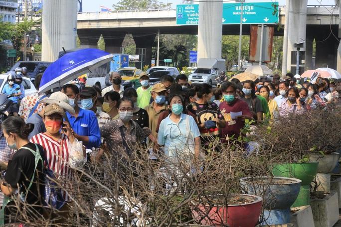 Covid-19: Thái Lan đóng cửa chợ lớn ở Bangkok, Campuchia có hơn 100 ca/ngày - Ảnh 1.