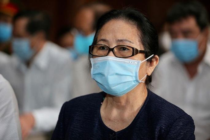 Xét xử vụ án hoán đổi khu đất công ở TP HCM: Lời khai đầy mâu thuẫn của bà Bạch Diệp - Ảnh 1.
