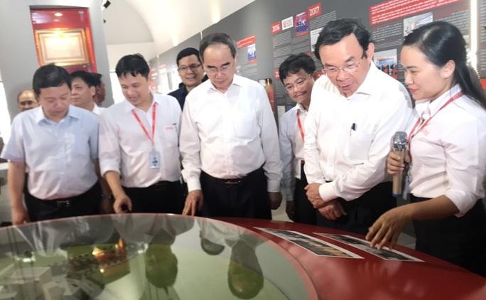Ông Nguyễn Văn Nên và ông Nguyễn Thiện Nhân thăm Công viên phần mềm Quang Trung - Ảnh 3.