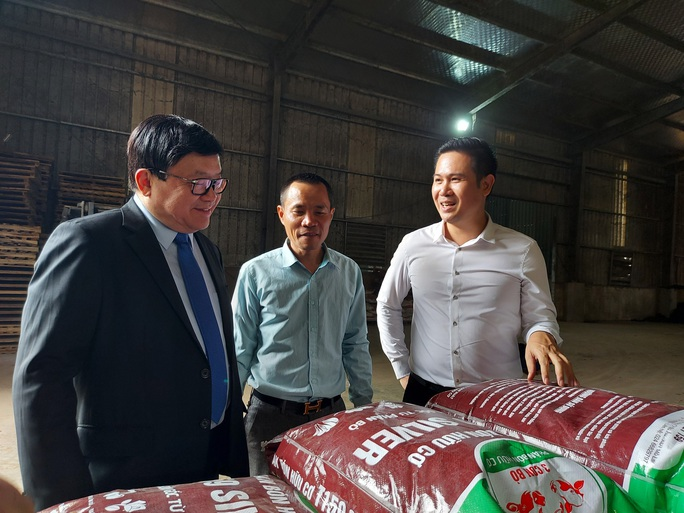 Shark Tam Asanzo đầu tư 2.000 tỉ đồng nuôi bò và làm phân bón hữu cơ - Ảnh 1.