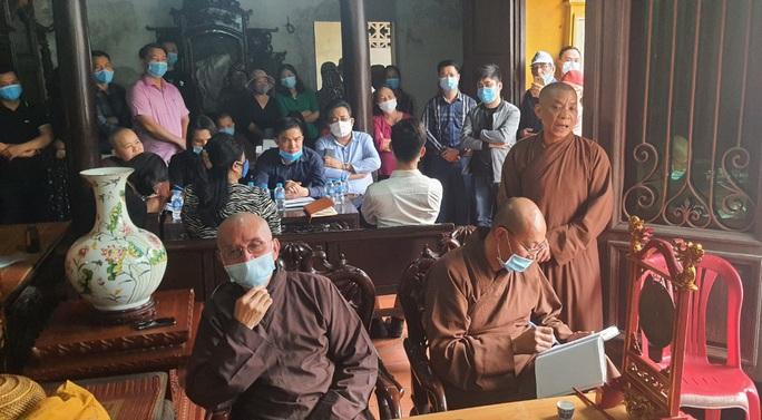 Bức xúc với trụ trì chùa Hưng Khánh, chính quyền và người dân yêu cầu đưa đại đức Thích Bản Phúc đi nơi khác - Ảnh 1.
