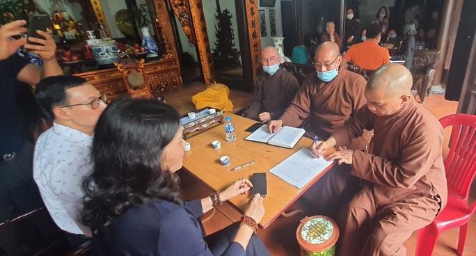 Bức xúc với trụ trì chùa Hưng Khánh, chính quyền và người dân yêu cầu đưa đại đức Thích Bản Phúc đi nơi khác - Ảnh 5.