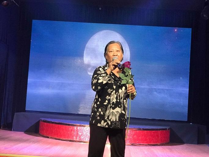 Nhiều bất ngờ tại buổi khai trương điểm diễn cải lương mới - sân khấu Sen Việt - Ảnh 3.