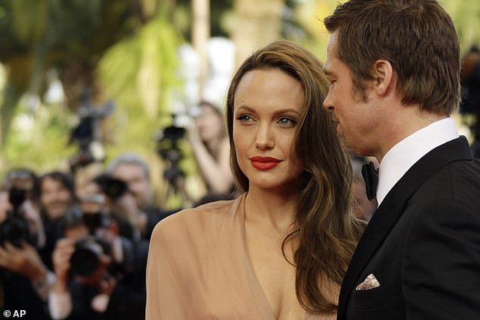 Angelina Jolie chuẩn bị tung bằng chứng bạo hành của Brad Pitt - Ảnh 2.
