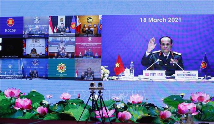 Tư lệnh Quốc phòng các nước ASEAN cam kết duy trì tự do hàng hải và hàng không ở Biển Đông - Ảnh 2.