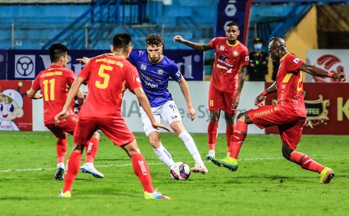 Quang Hải vắng mặt, Bruno ghi cú đúp giúp CLB Hà Nội thắng Thanh Hoá - Ảnh 8.