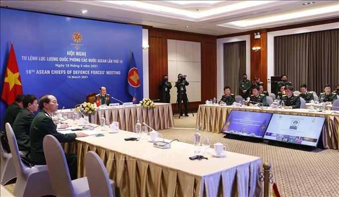 Tư lệnh Quốc phòng các nước ASEAN cam kết duy trì tự do hàng hải và hàng không ở Biển Đông - Ảnh 1.
