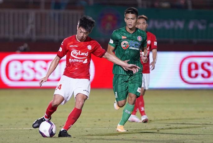 Lee Nguyễn lập công, CLB TP HCM thắng nghẹt thở ở phút bù giờ - Ảnh 3.