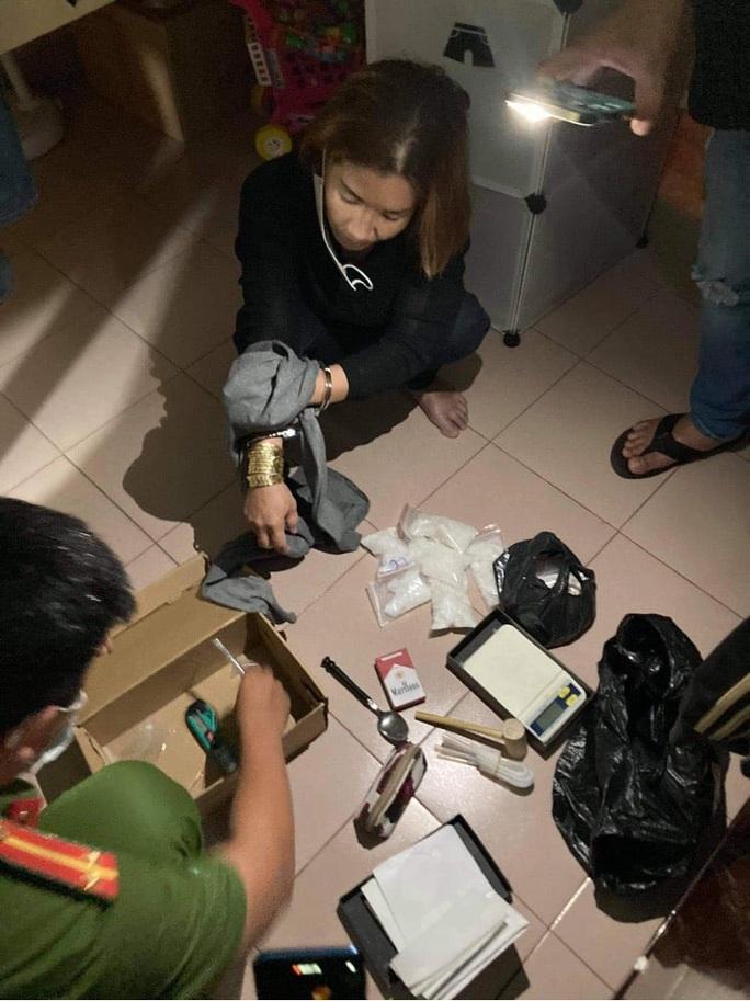 Mật phục bắt ông trùm đường dây ma túy quy mô ở quận Tân Bình - Ảnh 1.