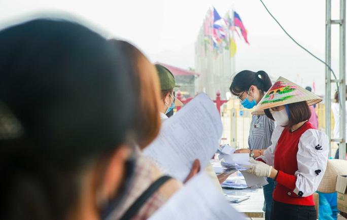 5 vạn người đổ về chùa Tam Chúc: Chùa xây dựng hệ thống phòng chống dịch Covid-19 - Ảnh 11.