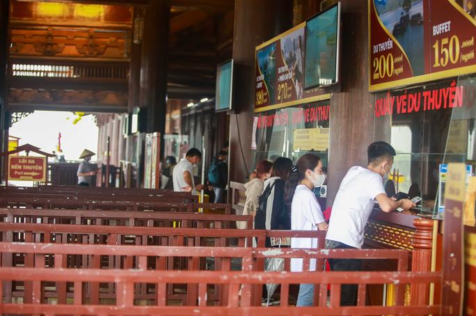 5 vạn người đổ về chùa Tam Chúc: Chùa xây dựng hệ thống phòng chống dịch Covid-19 - Ảnh 16.