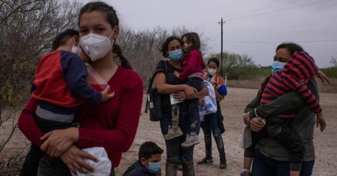 Hạ viện Mỹ mở rộng cửa cứu người nhập cư bất hợp pháp - Ảnh 2.