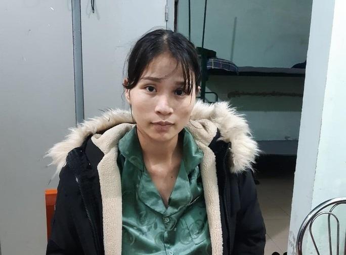Bắt nữ giám đốc tự xưng trong đường dây giải cứu người mắc kẹt ở Hàn Quốc về nước - Ảnh 1.