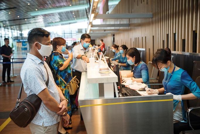 Quyết định mở cửa lại sân bay Vân Đồn từ ngày 3-3 - Ảnh 1.